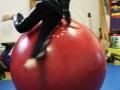 boule d'équilibre atelier 12-18 ans école de cirque Oreka Bayonne